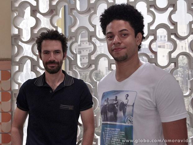 Rafael Sieg e Paulinho Lessa fazem participação em Amor à Vida (Foto: Amor à Vida / TV Globo)