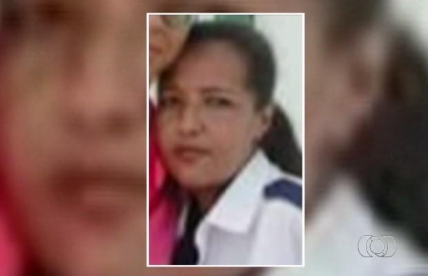 Rosana Martins Oliveira, de 37 anos, morreu na porta do hospital (Foto: Reprodução/TV Anhanguera)