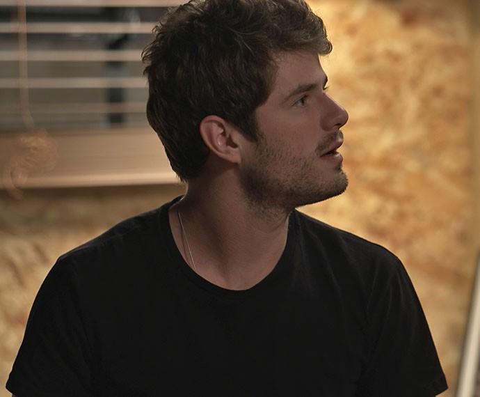 Ben fica surpreso com a chegada de Mari (Foto: TV Globo)