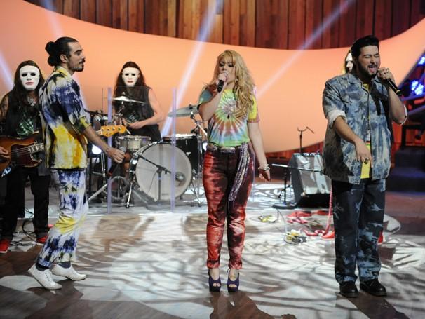 Músicas como 'Entre Tapas e Beijos' e 'Dormi na Praça' entram no ritmo eletrônico e funk do Bonde do Rolê (Foto: Renato Rocha Miranda/ TV Globo)