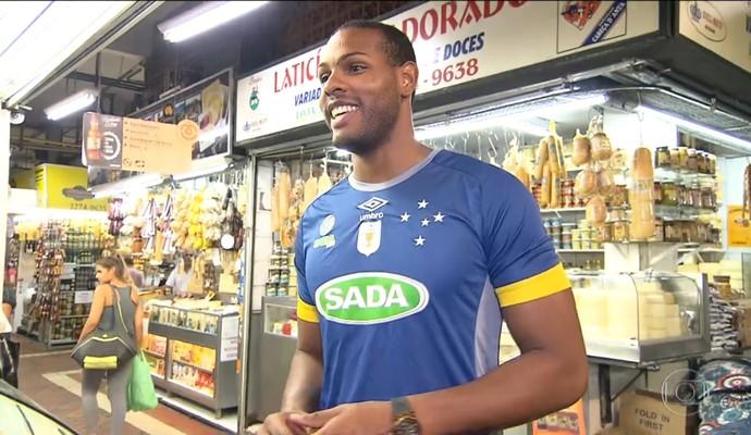 Lea dá entrevista ao Esporte Espetacular (Foto: Reprodução TV Globo)
