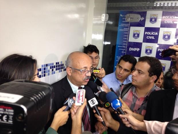 Adelson José da Silva, advogado de Everton Felipe Santana, suspeito de ter atirado vaso sanitário que matou torcedor em estádio. (Foto: Débora Soares / G1)