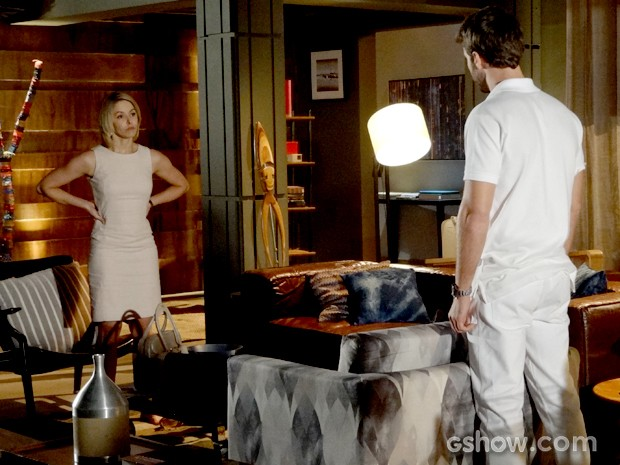 Silvia dá um basta em sua relação com Gabriel (Foto: Em Família / TV Globo)