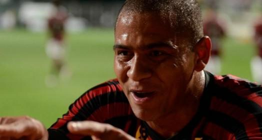 ele de novo (Gustavo Oliveira/Atlético-PR)
