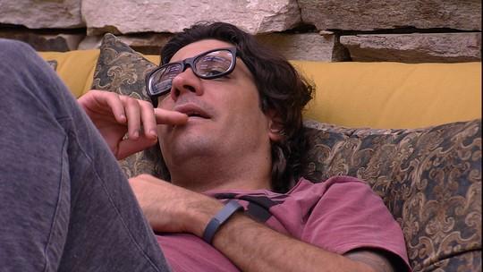 Ilmar e Marcos comentam comportamento de Pedro e Rômulo dentro do BBB17
