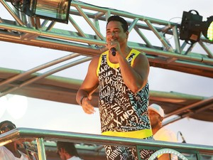 Harmonia do Samba na puxa bloco Meu e Seu na Barra (Foto: Mauro Zaniboni /Ag Haack)
