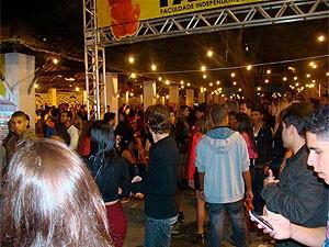 Fim de show no festival de inverno (Foto: Lays Macedo/ G1)