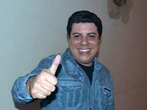 Filho de ex-vereador, Robson Rosa foi morto com 10 tiros em Cubatão, SP (Foto: Reprodução/Facebook)