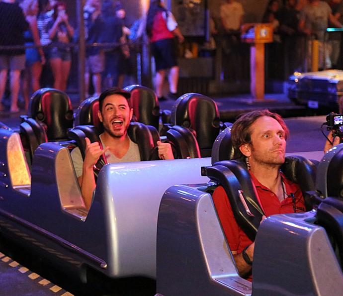 Ator se diverte na Disney  (Foto: Thiago Fontolan/Gshow)