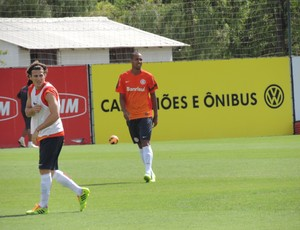 Forlán Alan Inter (Foto: Tomás Hammes / GLOBOESPORTE.COM)