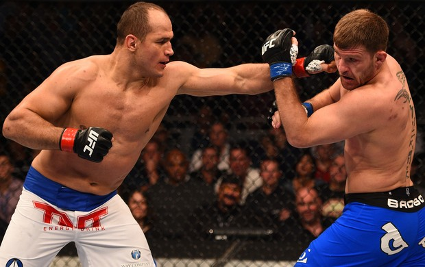 UFC Phoenix, Stipe Miocic e Junior dos Santos (Foto: Getty Images)