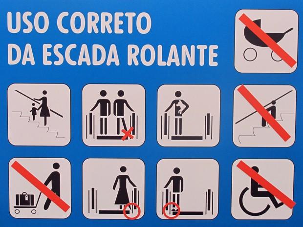 Orientações de uso das escadas rolantes estão sempre visíveis no equipamento e são essenciais na prevenção de acidentes (Foto: Mariana Palma/G1)