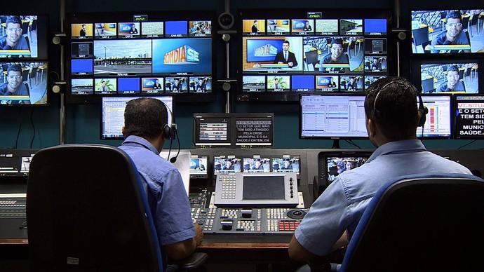 Ilha de Edição da TV Sergipe (Foto: TV Sergipe)