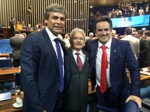 Posse dos novos 27 senadores aconteceu neste domingo em Brasília (Foto: Thaizys Val)