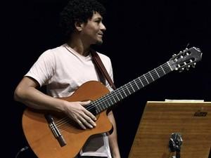 Floriano é compositor e violonista (Foto: Divulgação)