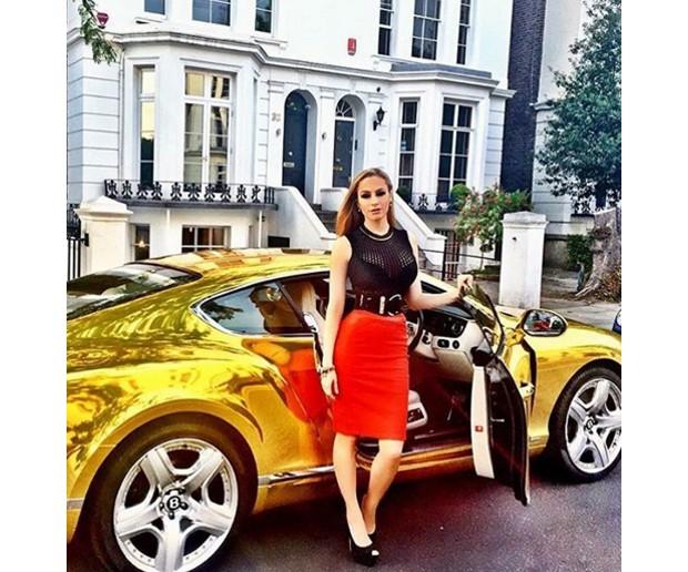 """Conheça os """"riquinhos de Londres"""", que ostentam suas vidas de luxo nas redes sociais"""