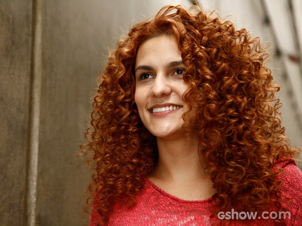 Paula Barbosa vive a geniosa Gina (Foto: Inacio Moraes / TV Globo)