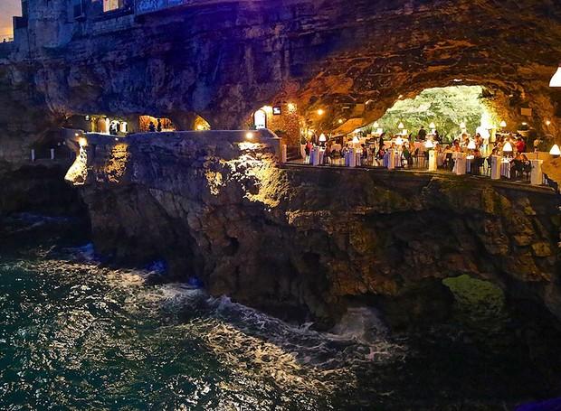 caverna-italiana-polignano-mare-grotta-palazzese (Foto: Divulgação)