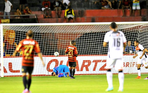 Sport x Vitória Sul-Americana (Foto: Aldo Carneiro / Pernambuco Press)