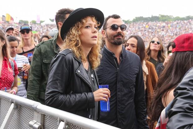 Leandra Leal e Alê Youssef no Lollapalooza (Foto: Manuela Scarpa e Rafael Cusato/Brazil News)