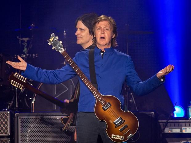 Paul McCartney inicia show em Fortaleza (Foto: Marcos Hermes / Divulgação)