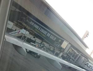 Atlético-MG realiza ação de marketing no Aeroporto de Confins (Foto: Reprodução/Internet)