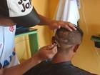 De 'Pica-pau' a iguana, cabeleireiro de 21 anos faz cortes ousados no AC