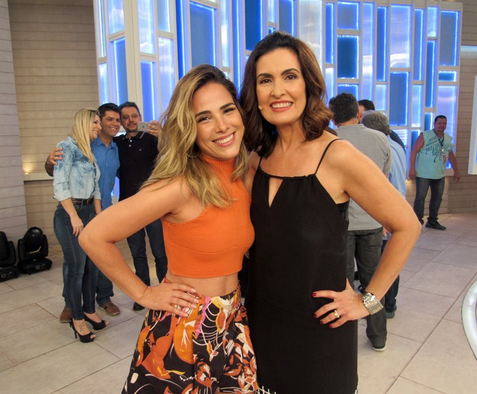Wanessa e Fátima nos bastidores do programa  (Foto: Viviane Figueiredo Neto/Gshow)