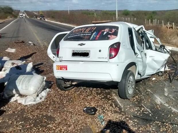 Acidente aconteceu na manhã desta quarta (9) na BR-304 (Foto: Francisco Coelho/Focoelho.com)