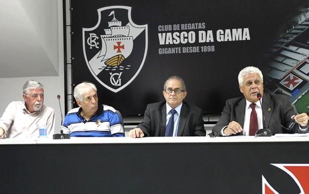 Antônio Peralta, Manuel Barbosa e Aníbal Rouxinol e Dinamite,Vasco (Foto: Marcelo Sadio / Vasco.com.br)