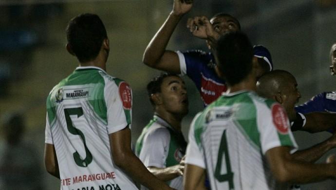 Gavião da Serra teve muitos contra-ataques, mas defesa do Tricolor foi mais eficiente (Foto: Tuno Vieira/ Agência Diário)