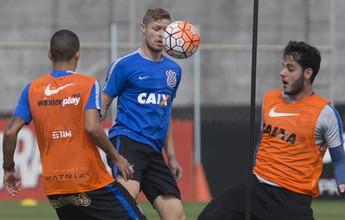 "Corinthians ainda paga ""preço do desmanche"", diz Roberto Avallone"