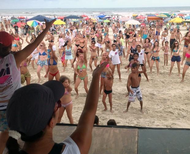 Ninguém conseguiu ficar parado na aula de dança (Foto: Divulgação/RPC)