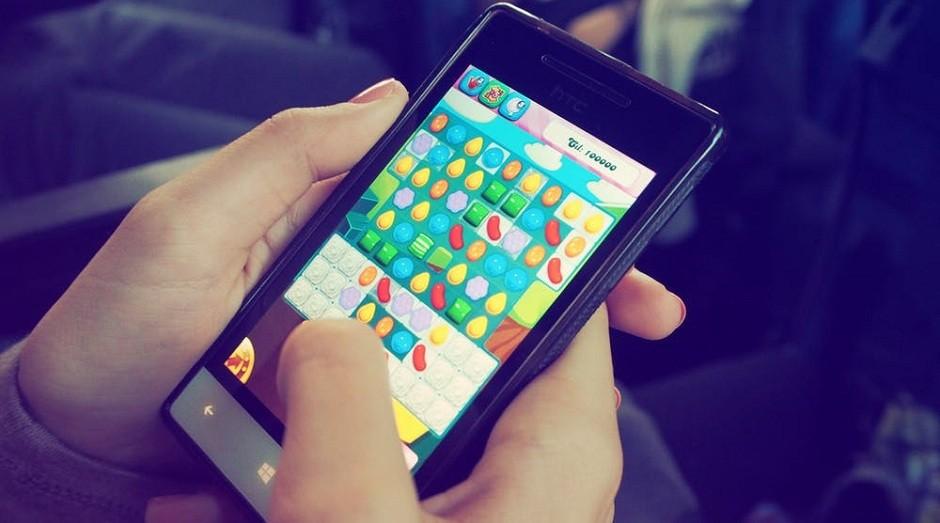 games; jogando; celular (Foto: Pexels)