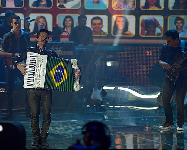 Luan e Forró Estilizado chamou mais uma vez a atenção dos jurados e do público com sua apresentação (Foto: Camila Serejo / TV Globo)
