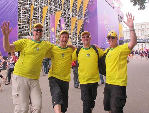 Grupo de suecos faz a festa para o Brasil em Londres (Foto: Cahê Mota / Globoesporte.com)