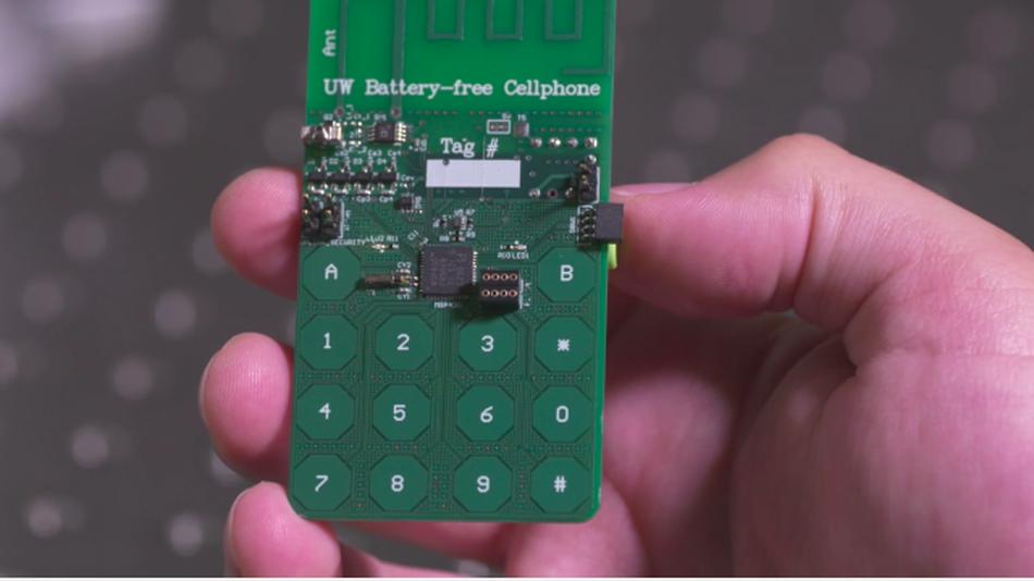 Protótipo de celular que não precisa de bateria comum (Foto: Reprodução)