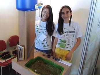 Estudantes de MG fizeram um irrigador automatizado (Foto: Vitor Tavares / G1)