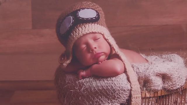 Shopping Center prepara exposição que mostra bebês nos primeiros dias de vida (Foto: Reprodução/TV Tribuna)