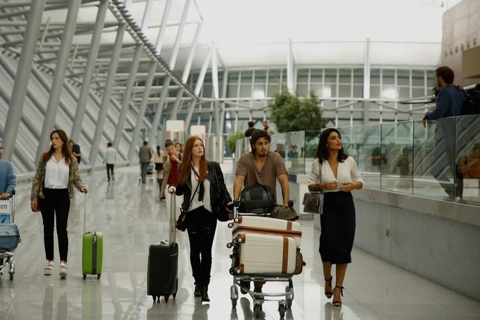 Eliza, Rafael e Carolina chegam ao Uruguai sem Arthur (Foto: Chico Couto / Gshow)