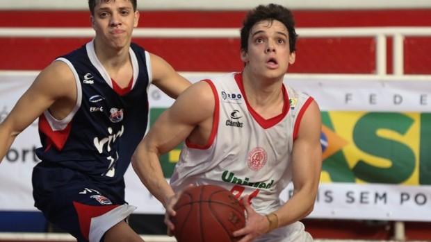 Lucas Duso, jogador do Paulistano contra Franca (Foto: Luiz Pires / LNB)