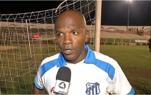 Técnico Thiago Oliveira comanda o Sinop. (Foto: Reprodução TVCA)