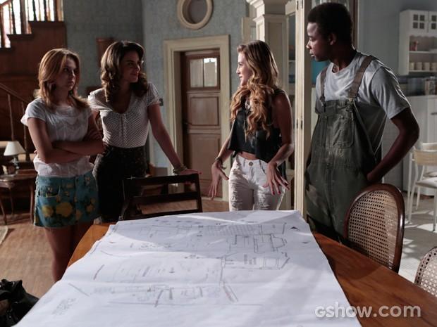 Sofia revela o projeto de Anita e deixa todos mais animados (Foto: Felipe Monteiro / TV Globo)