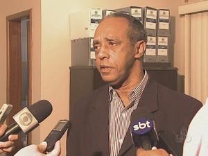Diretor do Iapen, Dirceu Augusto, nega que preso tenha sido espancado por agentes (Foto: Reprodução/TV Acre)