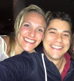 Evaristo Costa com a mulher, Amália Stringhini (Foto: Reprodução/Facebook)