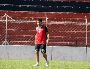 Chiquinho renova contrato com o Paulista de Jundiaí (Foto: Divulgação/Paulista)