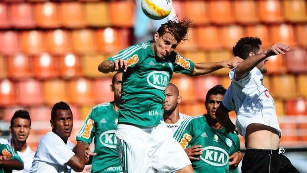 Henrique do Palmeiras na partida contra o Bragantino (Foto: Marcos Ribolli / Globoesporte.com)