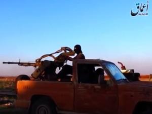 EUA veem indício de fabricação e uso de armas químicas pelo 'EI' na Síria e no Iraque (Foto: Reprodução/BBC)