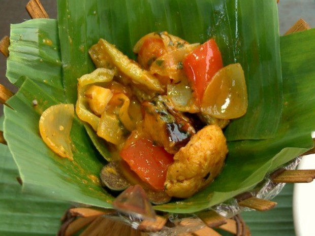 Moqueca Cabocla reúne pirarucu, castranha e banana pacovã (Foto: Amazônia Rural/Reprodução)