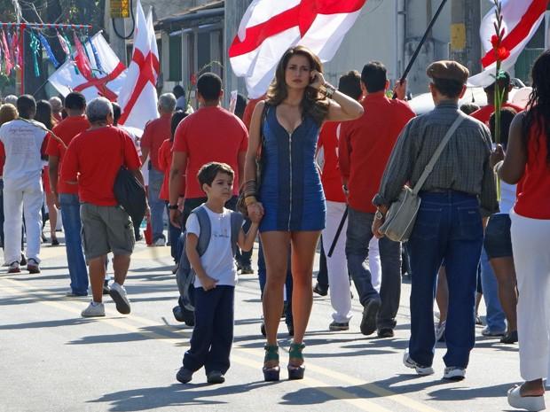 Nanda grava com Luis Felipe Mello, seu filho na trama (Foto: Salve Jorge/TV Globo)